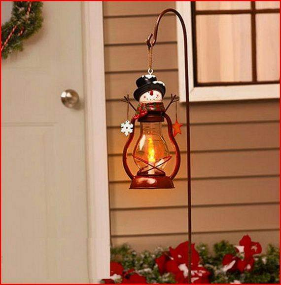 Outdoor-Christmas-Decorations-For-A-Holiday-Spirit-_161
