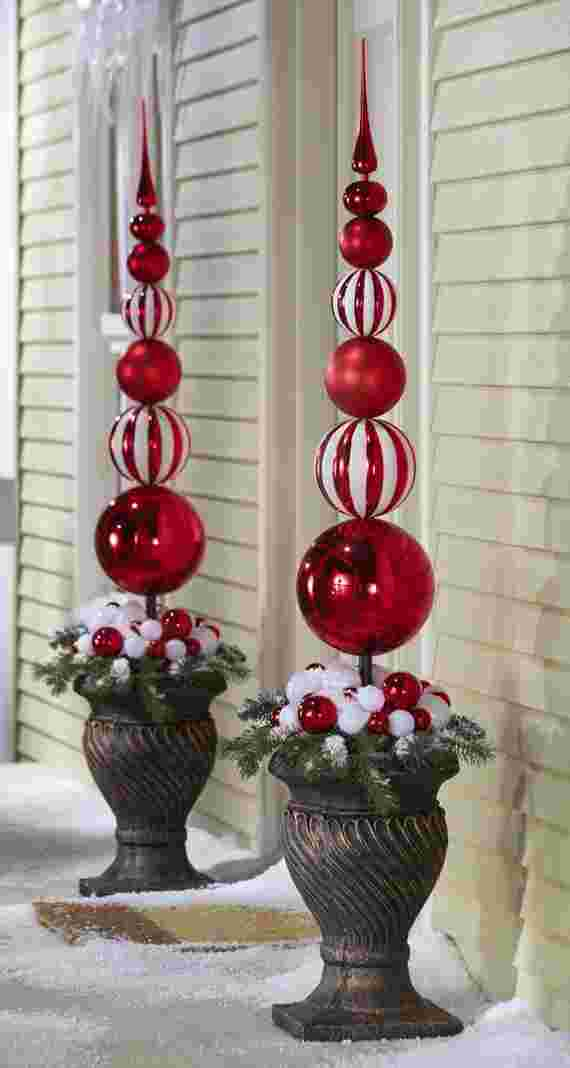 Outdoor-Christmas-Decorations-For-A-Holiday-Spirit-_371