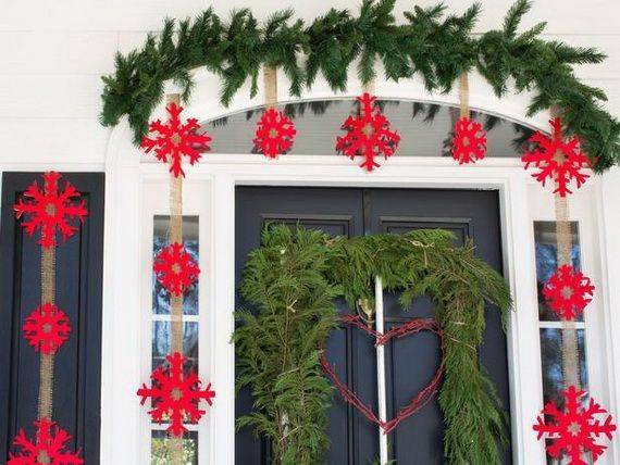 Outdoor-Christmas-Decorations-For-A-Holiday-Spirit-_491