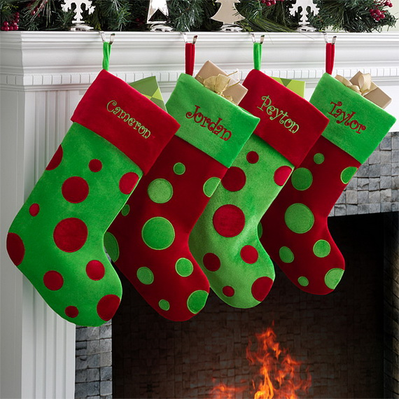 Splendid Christmas Stockings Ideas For Everyone_03