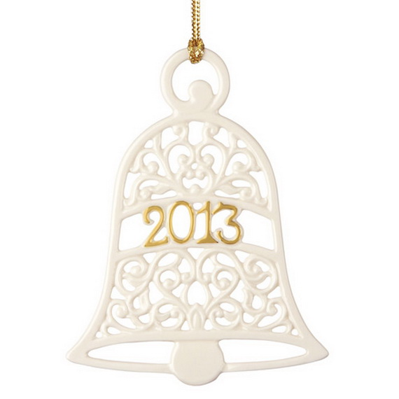 Splendid Ideas For Christmas Tree Decoration With Silver And Gold Ornaments_02