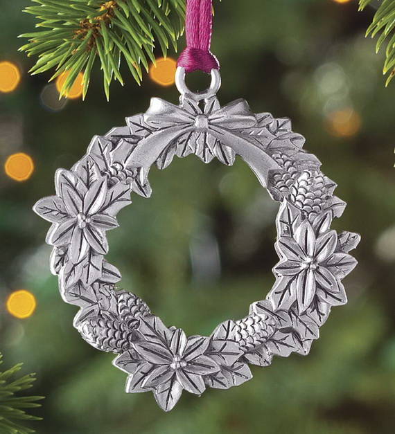Splendid Ideas For Christmas Tree Decoration With Silver And Gold Ornaments_26