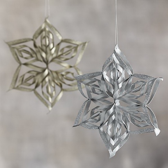 Splendid Ideas For Christmas Tree Decoration With Silver And Gold Ornaments_37