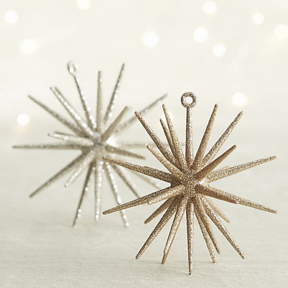 Splendid Ideas For Christmas Tree Decoration With Silver And Gold Ornaments_44