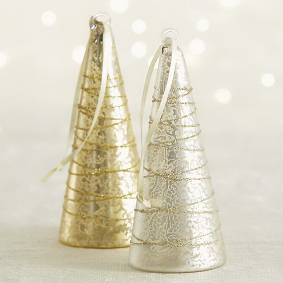 Splendid Ideas For Christmas Tree Decoration With Silver And Gold Ornaments_55