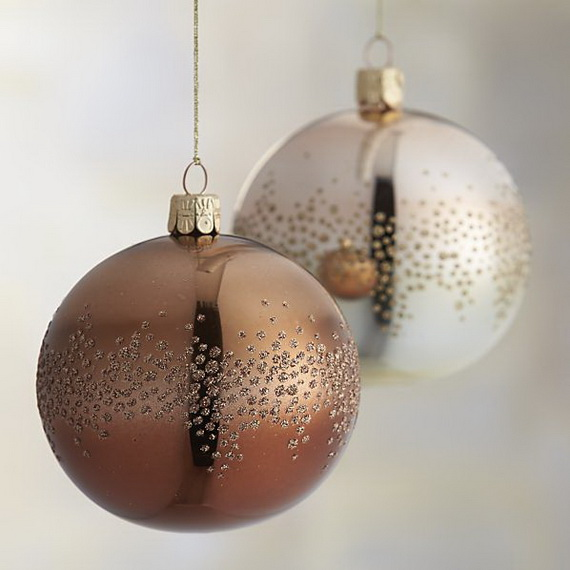 Splendid Ideas For Christmas Tree Decoration With Silver And Gold Ornaments_61