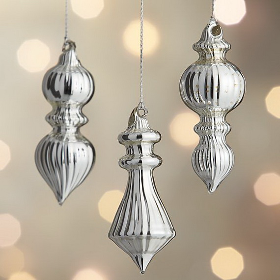 Splendid Ideas For Christmas Tree Decoration With Silver And Gold Ornaments_66