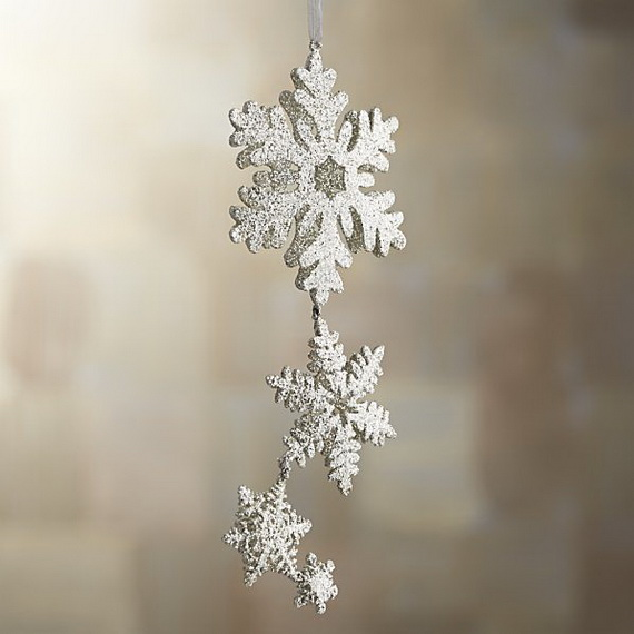 Splendid Ideas For Christmas Tree Decoration With Silver And Gold Ornaments_79
