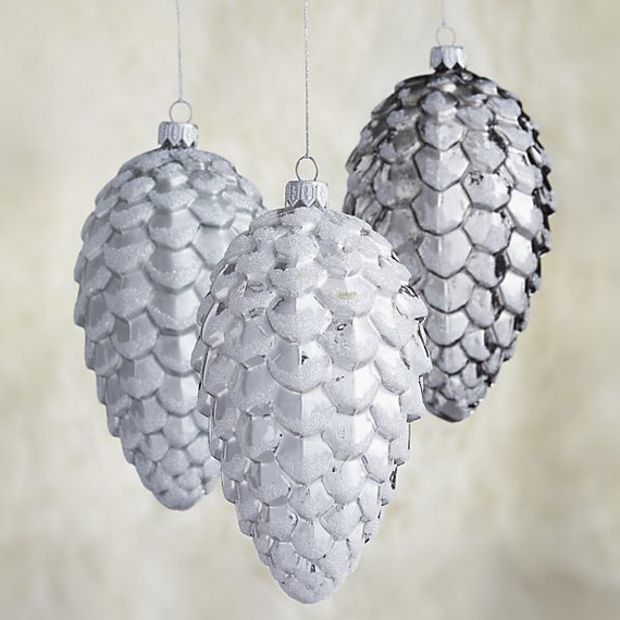 Splendid Ideas For Christmas Tree Decoration With Silver And Gold Ornaments_81