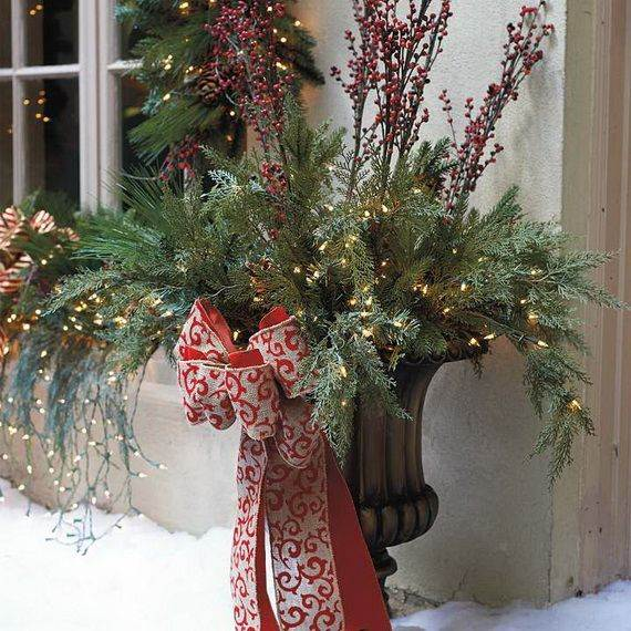 60 Trendy Outdoor Christmas Decorations_22