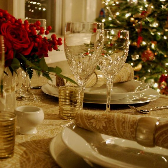 A Festive Christmas Table Decoration In Style_014