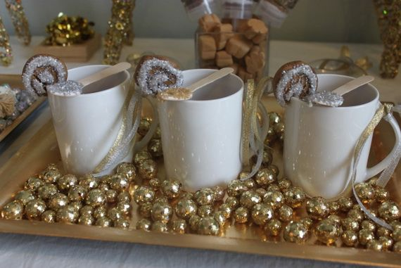 A Festive Christmas Table Decoration In Style_039