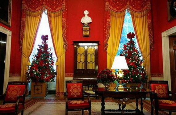 Amazing Red Interior Designs For The Holidays_29