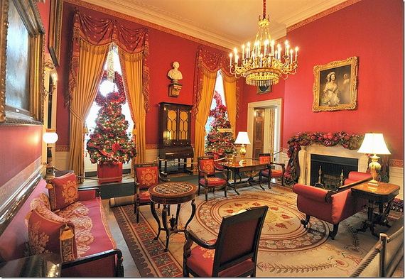 Amazing Red Interior Designs For The Holidays_32