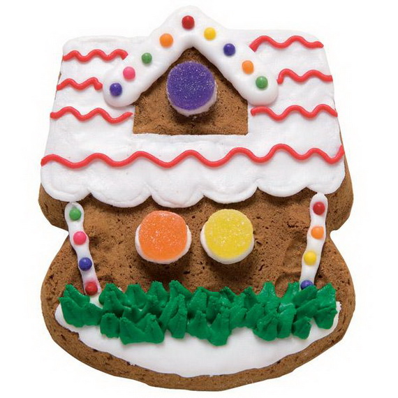 Amazing Traditional Christmas Gingerbread Houses_09