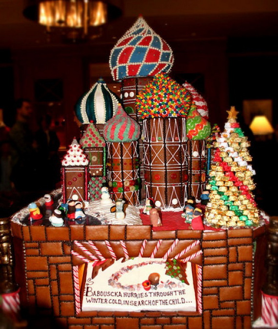 Amazing Traditional Christmas Gingerbread Houses_35