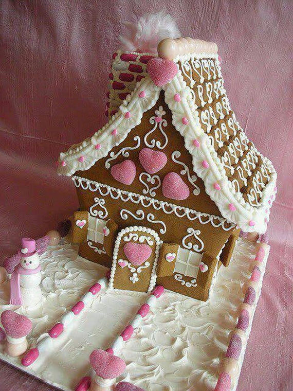 Amazing Traditional Christmas Gingerbread Houses_38