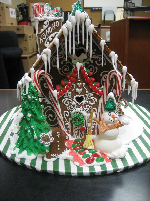 Amazing Traditional Christmas Gingerbread Houses_47
