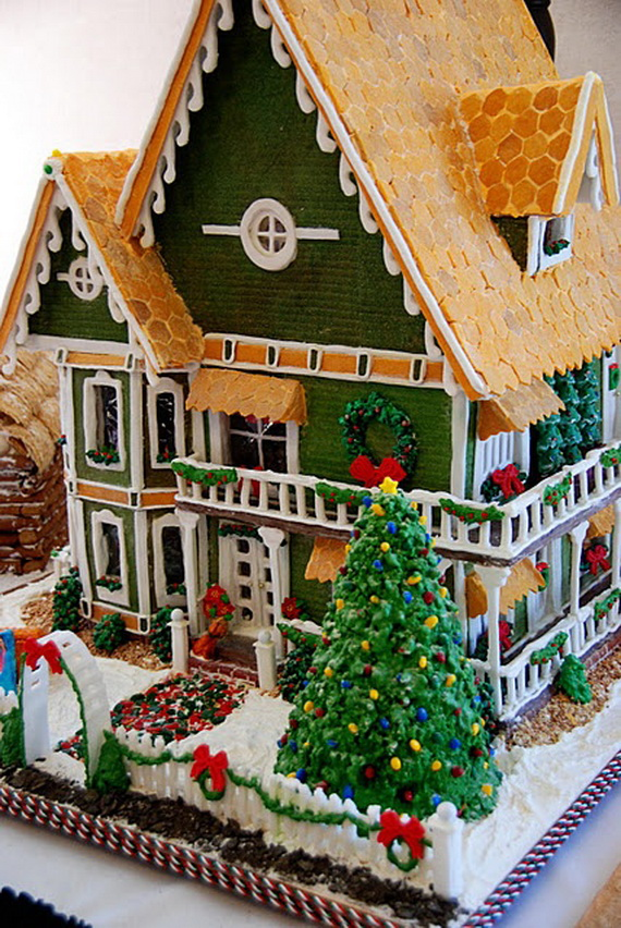 Amazing Traditional Christmas Gingerbread Houses_52