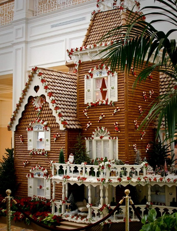 Amazing Traditional Christmas Gingerbread Houses_55