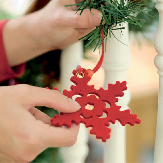 Creative Homemade Christmas Crafts and Decoration Projects for Kids_29