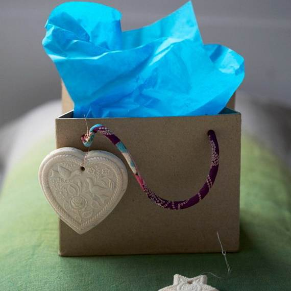 Cute-And-Incredibly-Christmas-Gifts-Wrapping-Ideas-103
