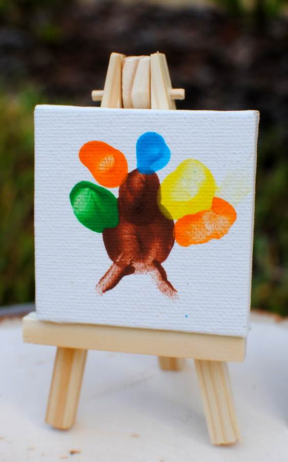 Easy-Colorful-Thanksgiving-Crafts-and-Activities-_048