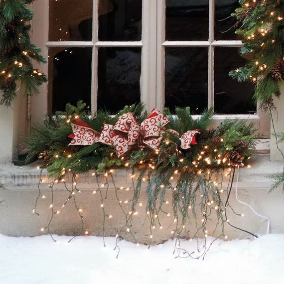 Jolly Ideas for Decorating with Christmas lights_54