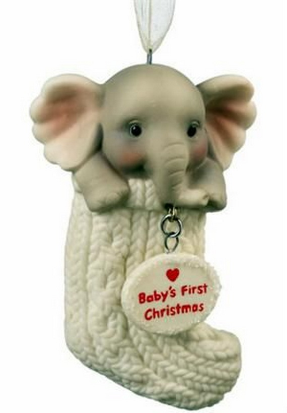 Tips and Traditions for Baby's First Christmas_03