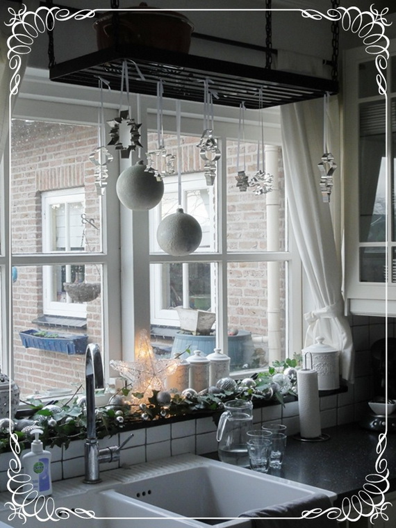 Top Christmas Decor Ideas For A Cozy Kitchen _18