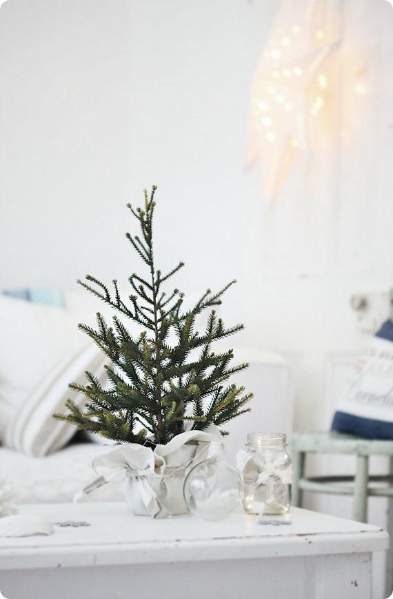 50 Magnificent Coastal-Themed Christmas Interior Decor_32