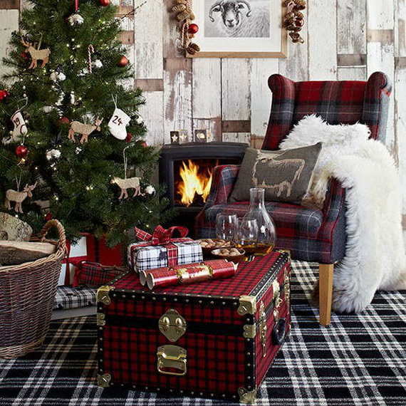 Elegant Christmas Country Living Room Decor Ideas 31