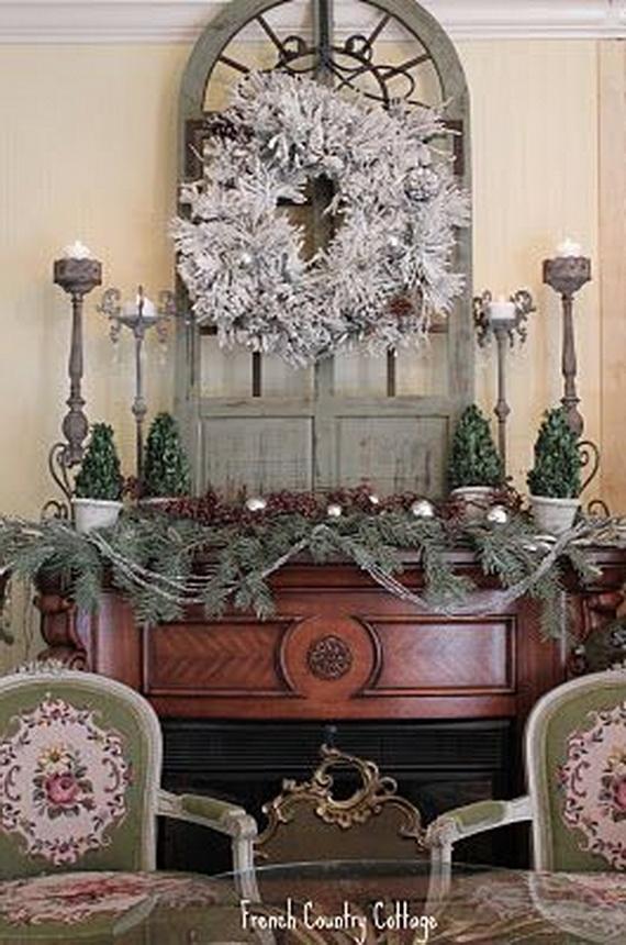 Elegant Christmas Country Living Room Decor Ideas_43