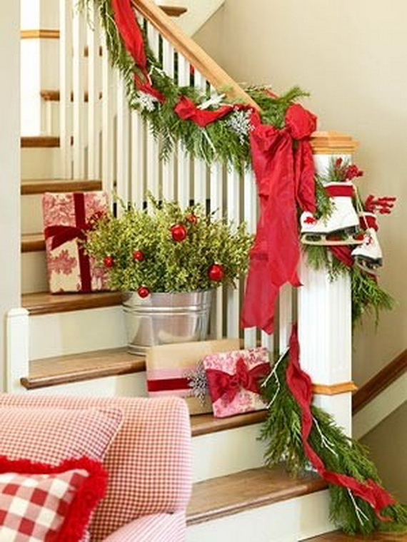 fresh festive christmas entryway decorating ideas_03 - Entryway Christmas Decorations