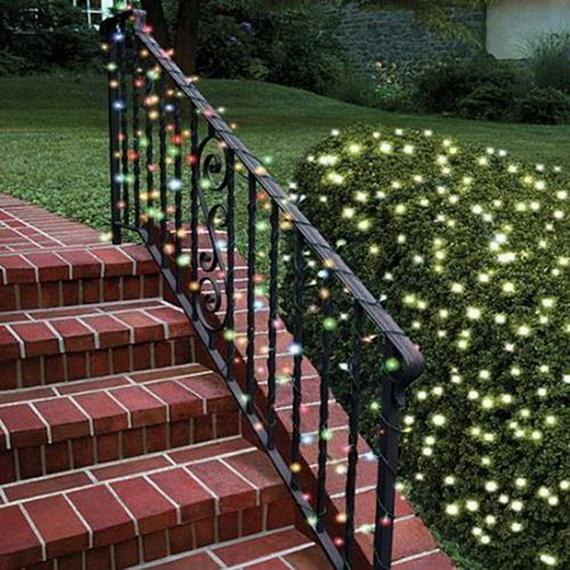 Fresh Festive Christmas Entryway Decorating Ideas_08