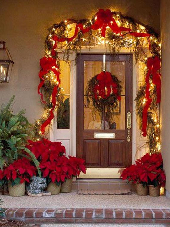50 Fresh Festive Christmas Entryway Decorating Ideas - family ...