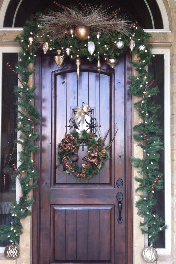 50 Fresh Festive Christmas Entryway Decorating Ideas ...