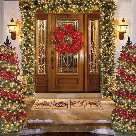 fresh festive christmas entryway decorating ideas_24