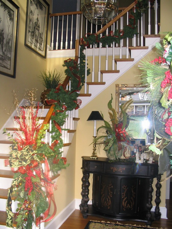 fresh festive christmas entryway decorating ideas_51 - Entryway Christmas Decorations
