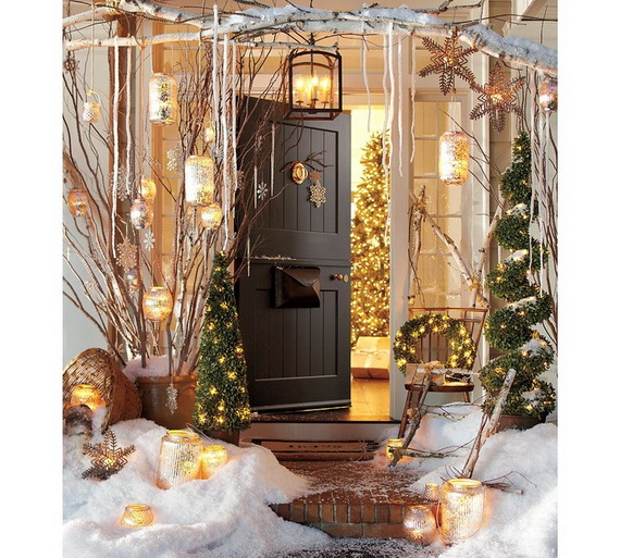 50 fresh festive christmas entryway decorating ideas for Outdoor foyer ideas