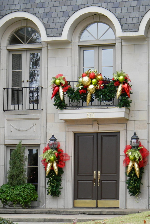 Merveilleux Fresh Festive Christmas Entryway Decorating Ideas_53