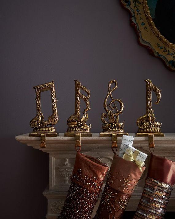 Gorgeous Fireplace Mantel Christmas Decoration Ideas _53