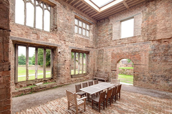 Historical Astley Castle In The Warwickshire Countryside_01