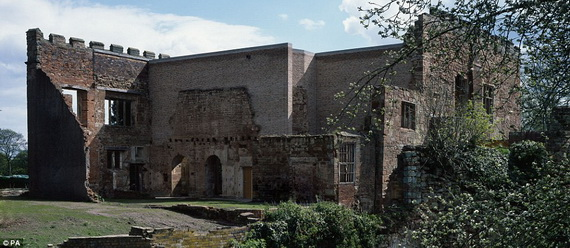 Historical Astley Castle In The Warwickshire Countryside_11