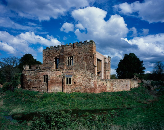 Historical Astley Castle In The Warwickshire Countryside_13