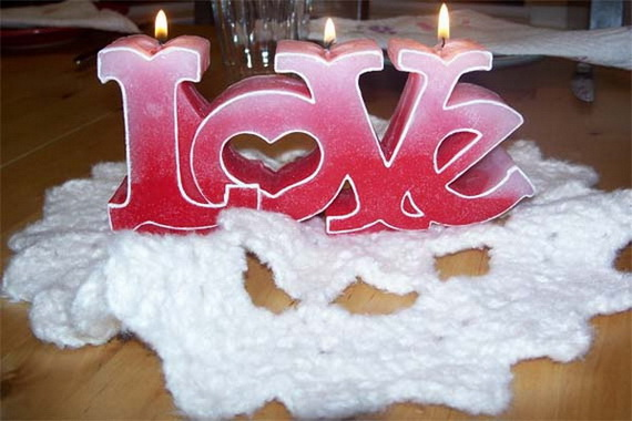 Amazing Romantic Table Centerpiece Decorating Ideas for Valentine's Day _10