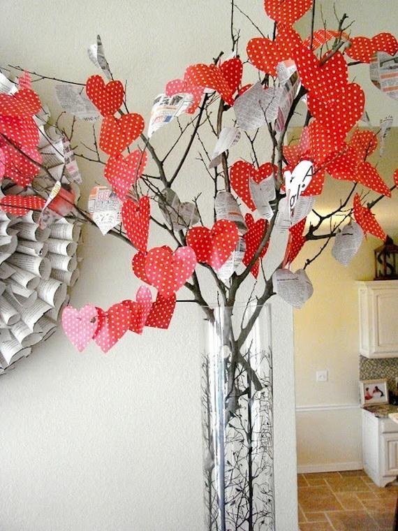Amazing romantic table centerpiece decorating ideas for - Deco vitrine saint valentin ...