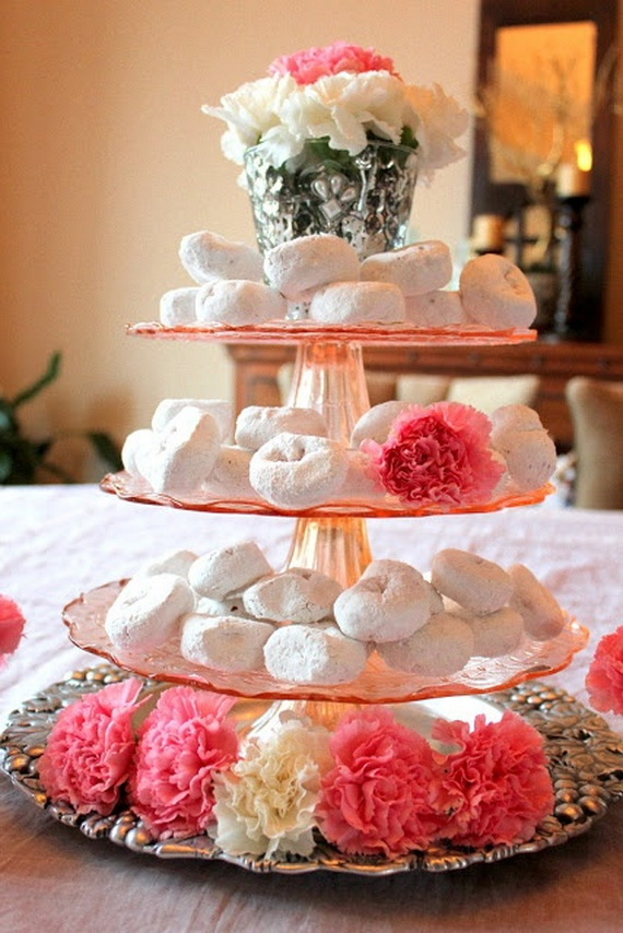 Amazing Romantic Table Centerpiece Decorating Ideas for Valentine's Day _11