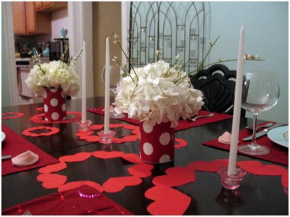 Amazing Romantic Table Centerpiece Decorating Ideas for Valentine's Day _16