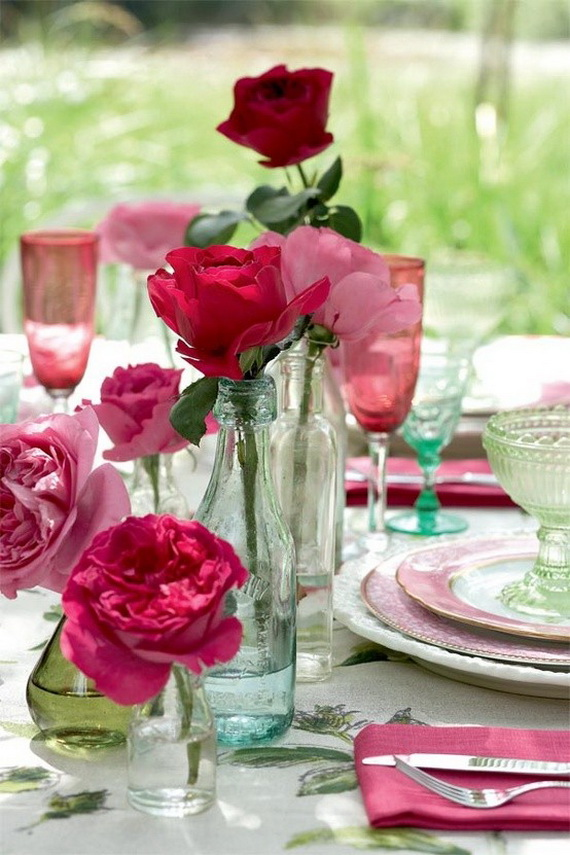 Amazing Romantic Table Centerpiece Decorating Ideas for Valentine's Day _8